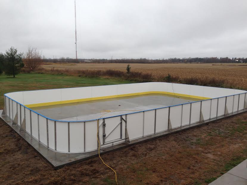 D1 Backyard Rinks - Synthetic Ice, Basement or Backyard ...