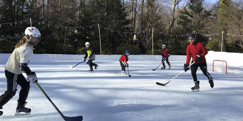 Outdoor Backyard Winter Rink